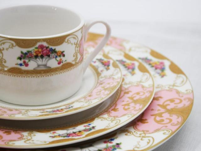 Rent Fleur China Dinnerware